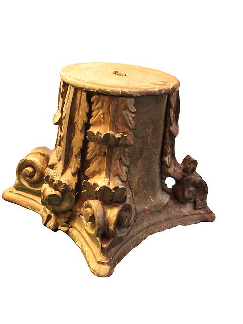 Korinthisches Kapitell Holz