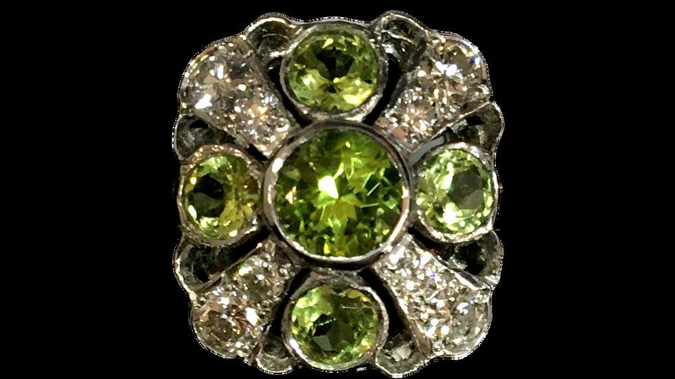 18ct Yellow Gold Peridot & Diamond Ring