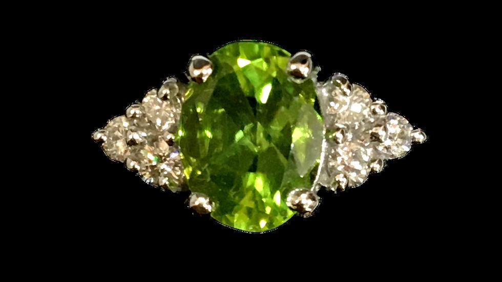 18ct White Gold Peridot & Diamond Ring