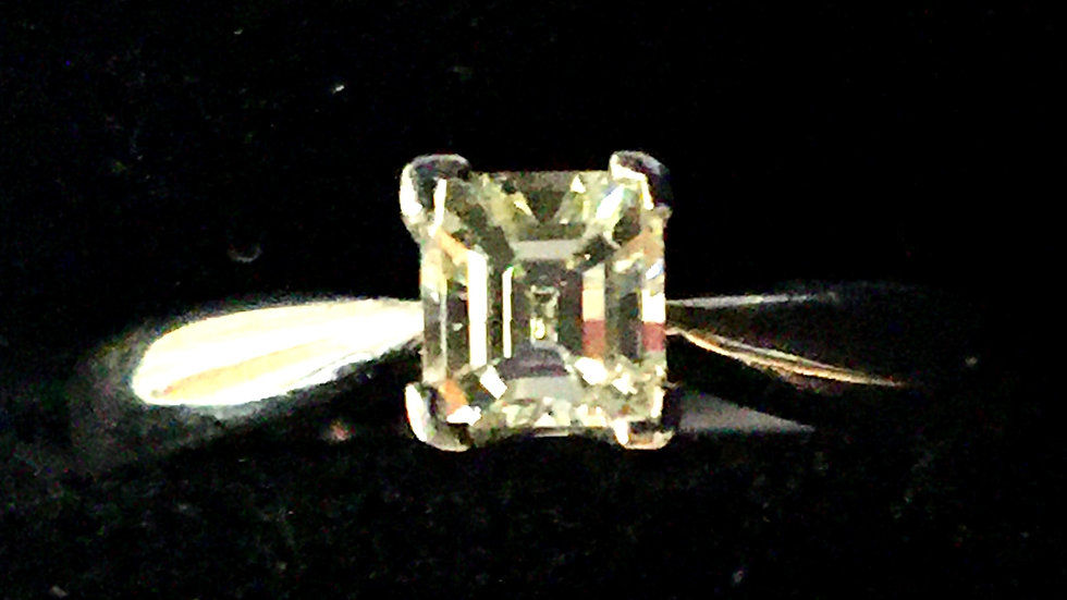 18ct Asscher Cut 0.40ct Diamond Ring