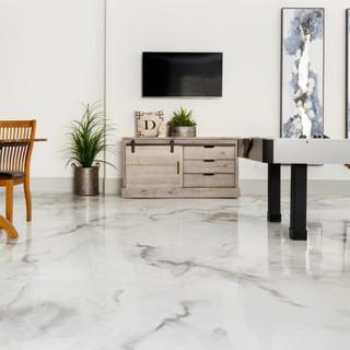 White-metallic-epoxy-marble-1024x512.jpg