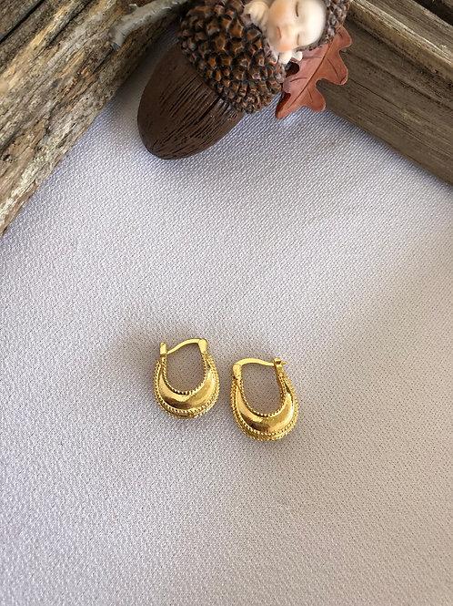 Altın Vintage Oval Küpeler