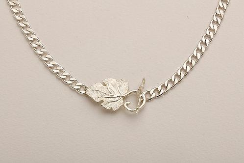 Yaprak Kilitli Gümüş Kaplı Kolye