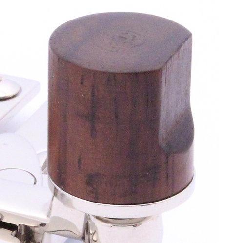 Quadrant arm type sash fastener
