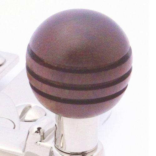 Quadrant arm type sash fastener grooved