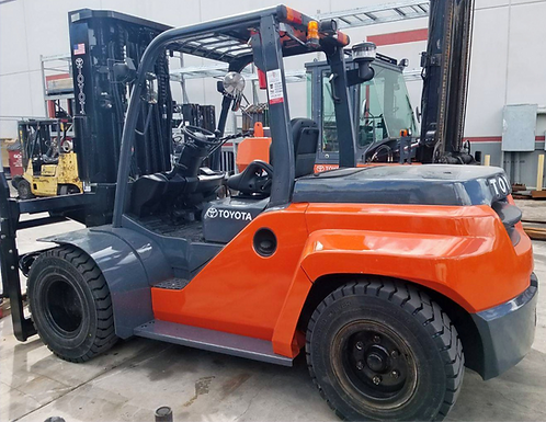 TOYOTA FORKLIFT, MODEL 8FD70U, YEAR 2015