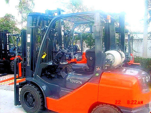 TOYOTA FORKLIFT, MODEL 8FGU25, YEAR 2016