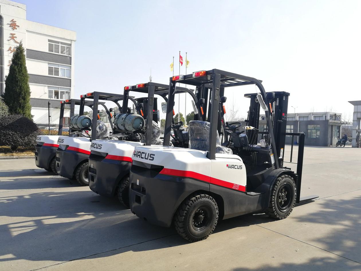 Montacarga_Forklift editado.jpg