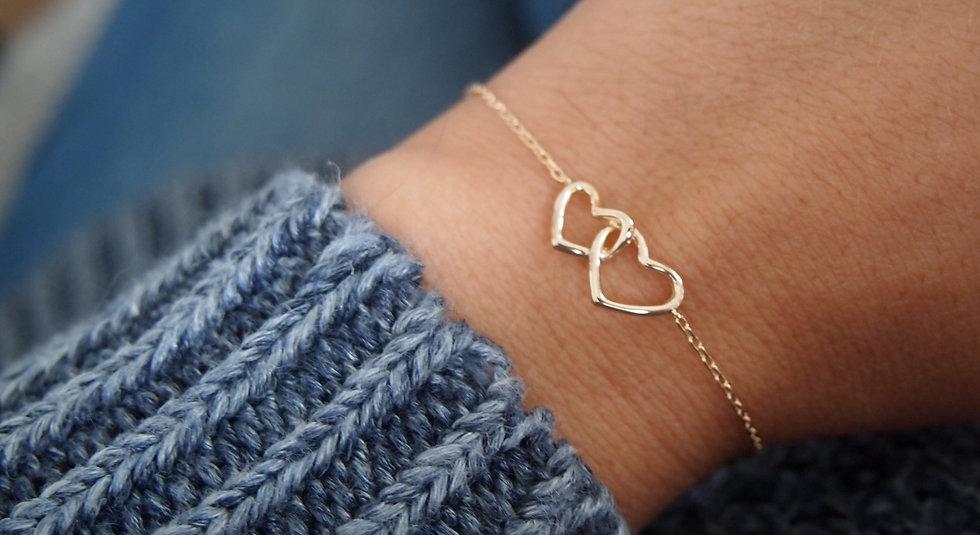 Bracelet deux cœurs plaque or