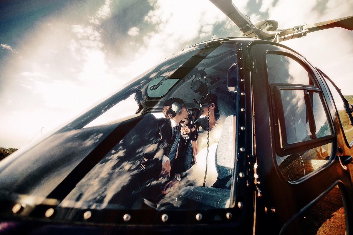 Свадебная фотография вертолет