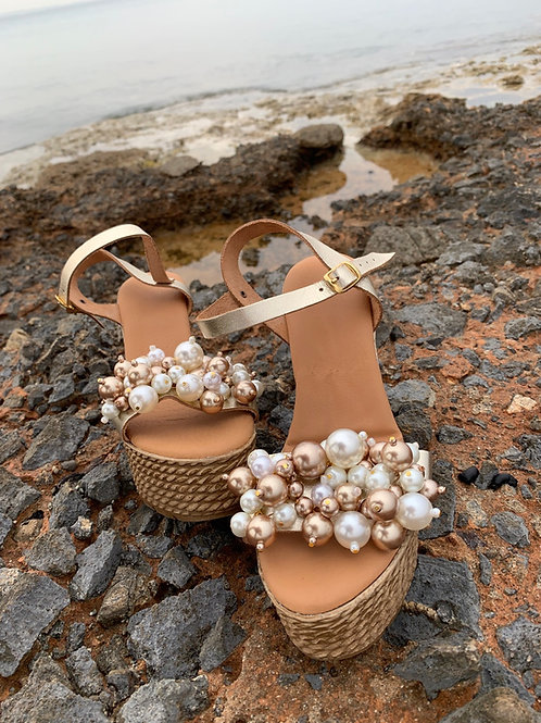"Jeweled leather wedges full of  pearls ""Nymphaea"""