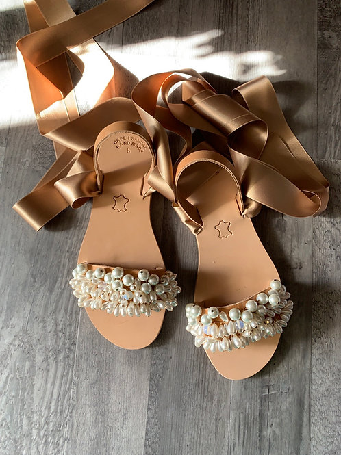 """Jeweled leather sandals full of  pearls """"Nymphaia"""""""
