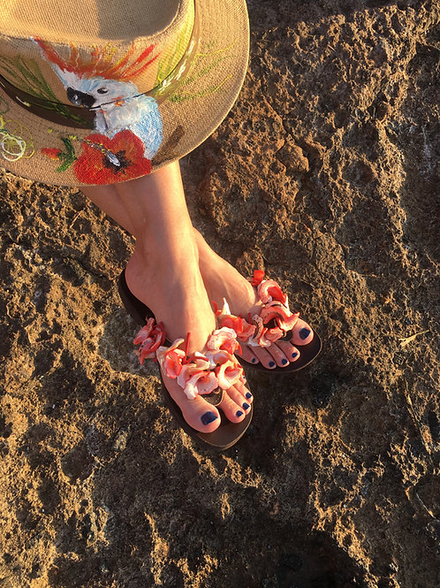 Leather sandals jeweled with shells - SISSY