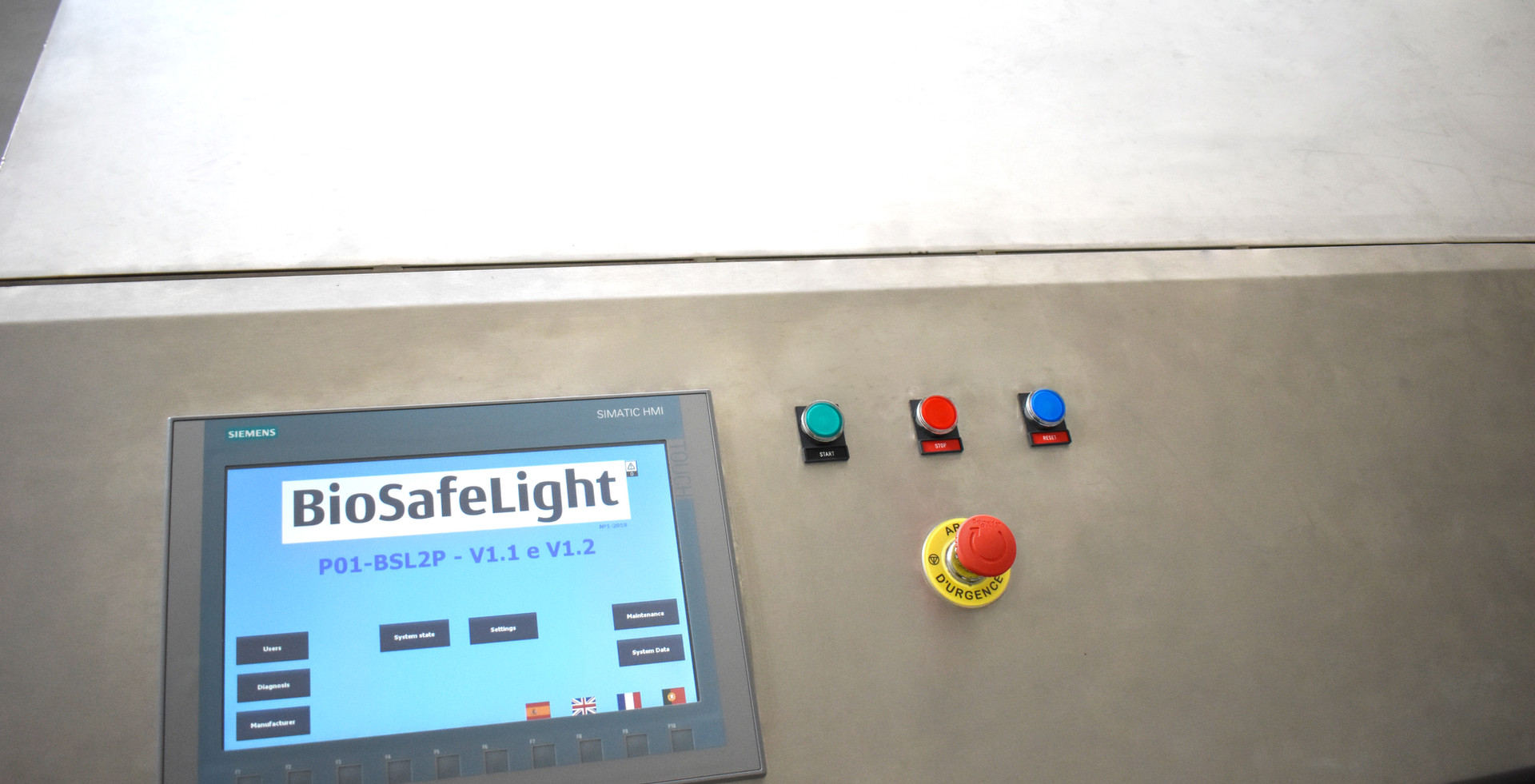 UV machine for decontamination