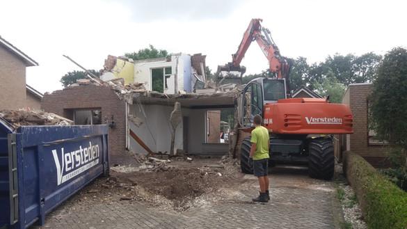 Huis slopen in Boekel