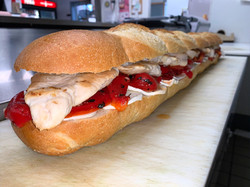 Grilled Chicken w/ Fresh Mozzarella & Roasted Peppers 3 FT