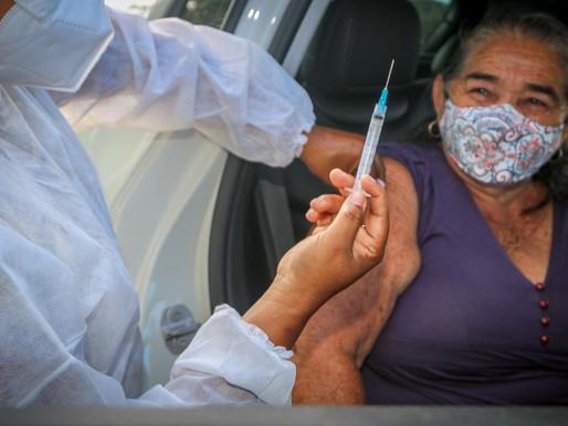 Saúde Piripiri vacina pessoas de 69 anos e índigenas