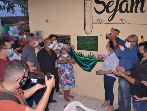 Seduc inaugura reforma em escola na comunidade Lagoa da Cruz