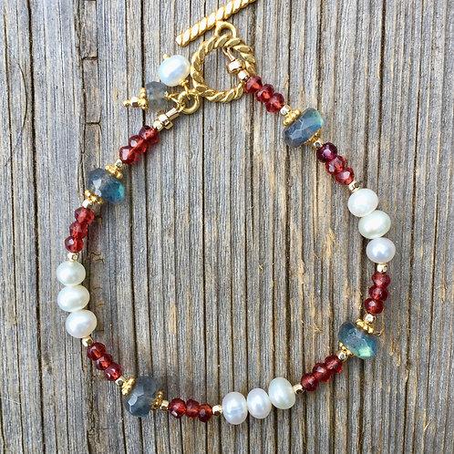 Snow & Roses Bracelet