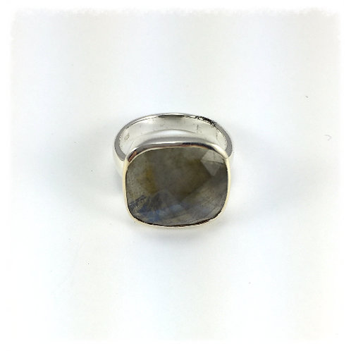Checkercut Labradorite Ring