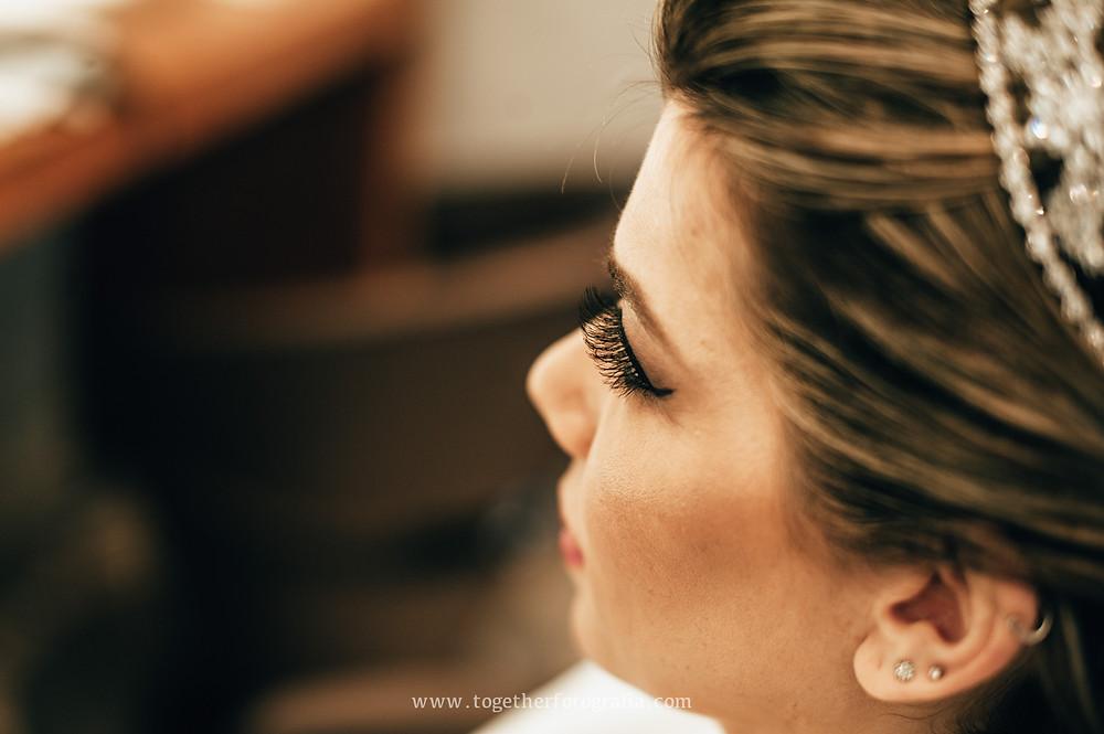 maquiagem de Noiva foto, Fotografia de making of, beleza de Noiva, Noivas foto, Brides, Casando Fotografia, Wedding, Fotógrafo em BH, Fotógrafo em Belo Horizonte, fotografia e filmagem de casamento bh, fotografo em bh barato, fotografia de casamento bh, preço fotografia casamento, Melhores fotografos de casamento em BH Celio faria