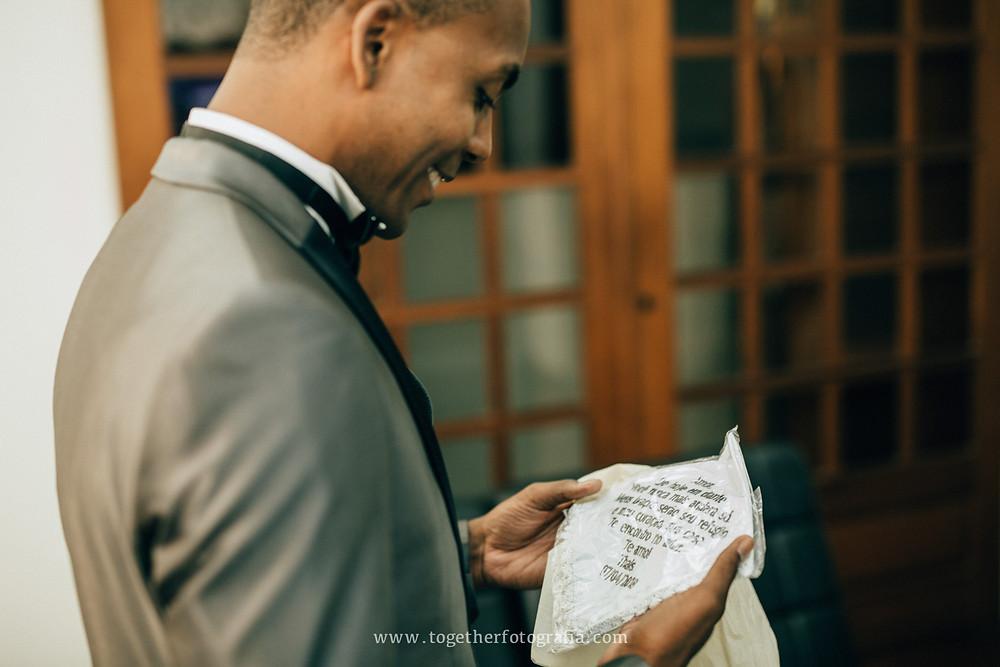 maquiagem de Noiva foto, Fotografia de making of, beleza de Noiva, Noivas foto, Brides, Casando Fotografia, Wedding, Fotógrafo em BH, Fotógrafo em Belo Horizonte, fotografia e filmagem de casamento bh, fotografo em bh barato, fotografia de casamento bh, preço fotografia casamento, Melhores fotografos de casamento em BH quanto custa um album de casamento, fotografo de casamento, Fotografia de casamento, Fotografo de  Casamento em MG, beleza de noivas, together Fotografia de casamento MG, fornecedores de casamento BH, Fotografo de casamento em BH,  BH Casamentos, Noivas Fotos, Retratos de Noivos, Casando em BH, album de casamento Fotografia, Fotografia de casamento Preç