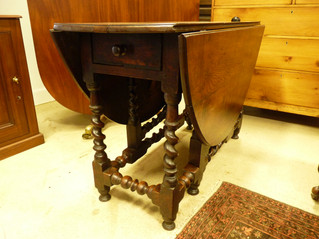 18thC Oak Gateleg Table.
