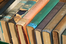 collection-of-old-books-3187771_1920.jpg
