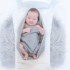Newborn photos - AR
