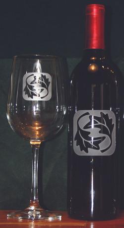 Logo Bottle & Glass set