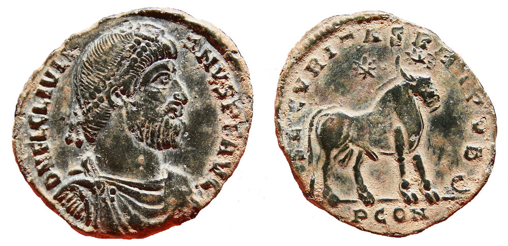 Doble Maiorina struck in the first office of Arelate mint in the name of Julian II during the period 360-363.