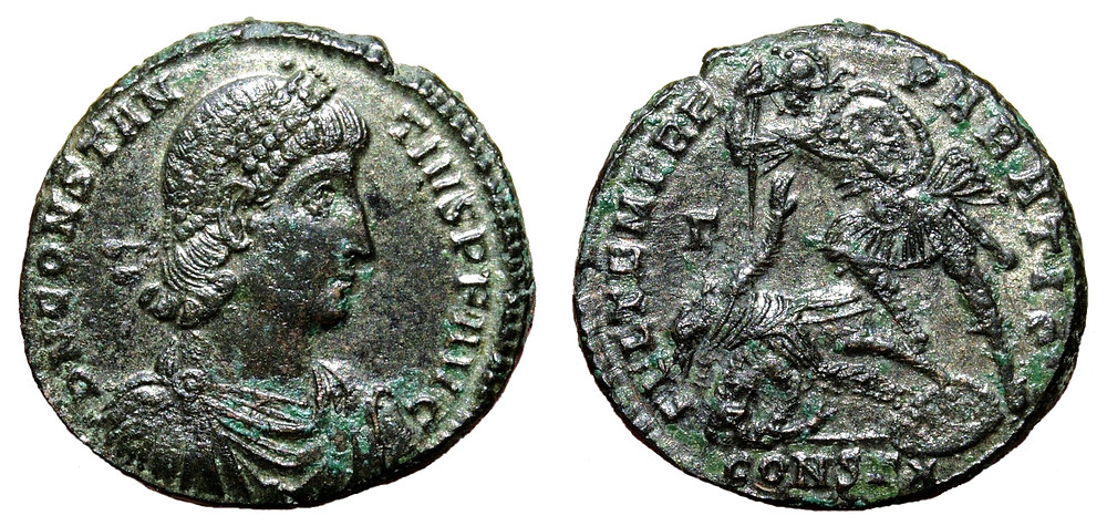 Maiorina (AE2) coined in the name of Constantius II