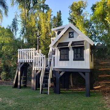 Explorer's Treehouse by Imagine THAT! Pl