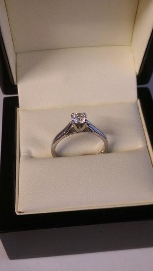 18ct White Gold 0.45pt Brilliant Cut Diamond Ring