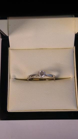 18ct White Gold 0.25pt Single Stone Diamond