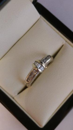 9ct White Gold 0.36pt Diamond Ring