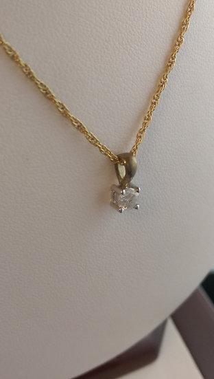 9ct Gold 0.20pt Diamond Pendant & Chain