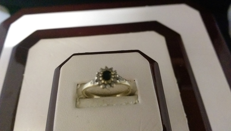 Second Hand 9ct Gold Sapphire & Diamond Ring