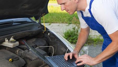 ورشة متنقلة لإصلاح السيارات مع نظام ورشة. كوم السحابي