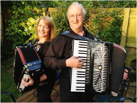Dawn and Bert Santilly - French Duo gig in Cambridge