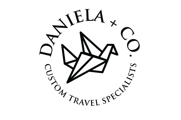 Daniela Co Circle Logo-black.png
