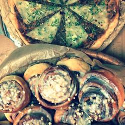 Skořicový šneci a parmezánový pie