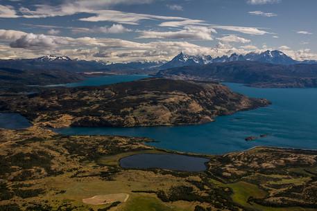 trekking-cerro-castillo-vistas-lago-toro
