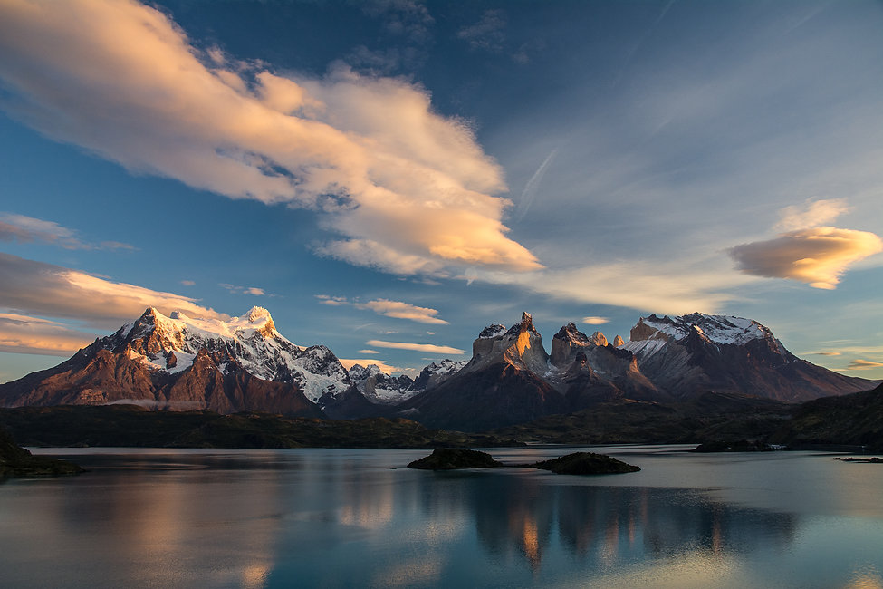 sunrise-photography-chilean-patagonia-pehoe-lake