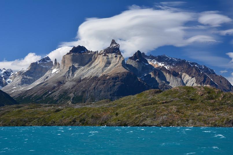 pehoe-lake-boat-tour-in-patagonia-chile