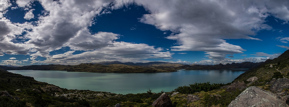 panoramic-view-nordenskjold-lake-w-trek