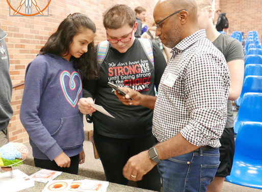 High School Students learn about a Career in Medical Illustration