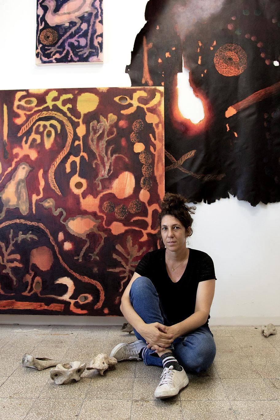 Studio Portrait Photo Tamar Katz.jpg
