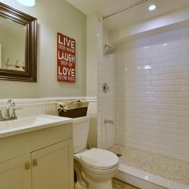 Collingwood basement bathroom