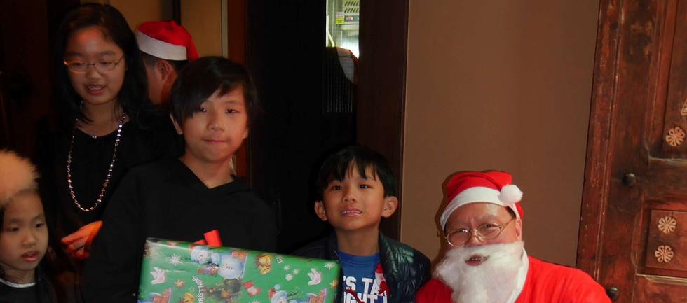 Xmas party-76 Santa.jpg